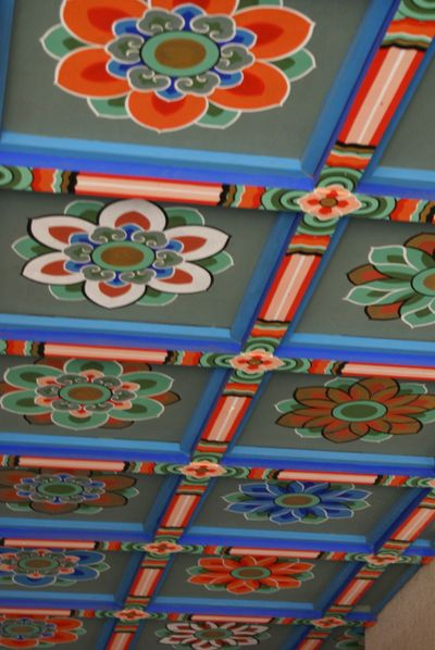 Korea - temple gate ceiling
